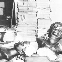 El general Lonardi asume su puesto como presidente de facto de la autodenminada Revolución Libertadora, prohibiendo por decreto todo tipo de propaganda peronista
