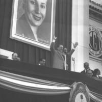 Perón en el palco de la CGT